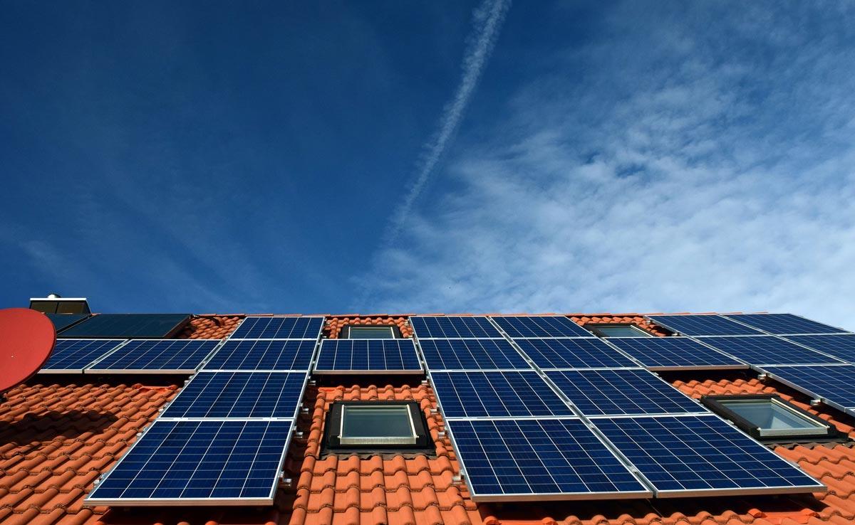 Solarenergie speichern mit Bockstahler Elektroanlagen aus Emmendingen