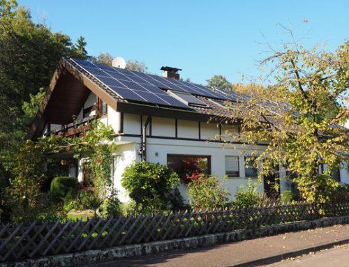 Nutzen Sie die Vorteile von Solaranlagen – so erkennen Sie, ob Ihr Dach dafür infrage kommt